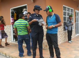 Policía Nacional invita a jóvenes de Boquete a ingresar a la Institución