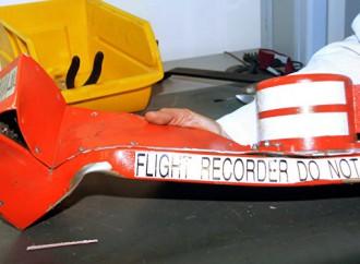 Caja Negra registra una explosión durante el vuelo
