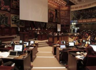 Ecuador: AN  aprueba quince reformas a la Constitución
