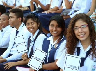 Mil profesores y maestros del Programa Panamá Bilingüe viajan al exterior para Capacitación