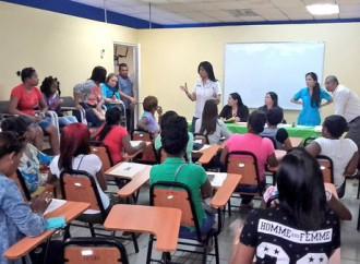 Emprendedoras de Colón reciben formación en gestión empresarial y Capital Semilla