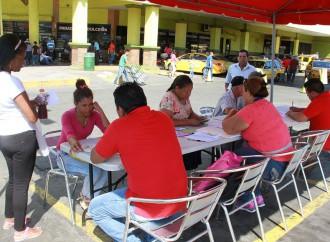 Comunidad de 24 de Diciembre recibe asesoramiento en materia social