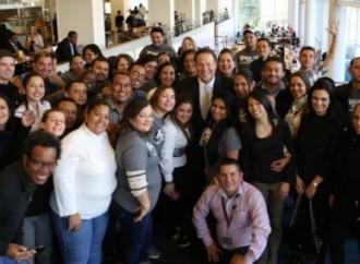 Educadores del programa Panamá Bilingüe en Atlanta, reciben visita del Presidente Juan Carlos Varela