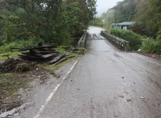 Avanzan a buen ritmo reparación de puente en la comunidad de La Garita en Cerro Punta