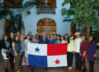 Docentes del Programa Panamá Bilingüe visitan sede de la OEA