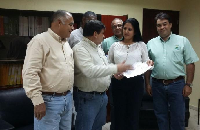 MIDA certifica a la empresa INDECO como Hato Libre de Tuberculosis Bovina