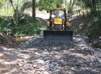 Comunidades de Las Lomas y Pedregal, en David, disponen de vialidad rahabilitada