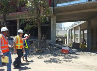 Inspeccionan construcción de las torres quirúrgicas del Hospital Rafael Hernández