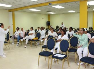 Enfermeras de la policlínica Dr. Santiago Barraza recibe inducción sobre el virus Zika