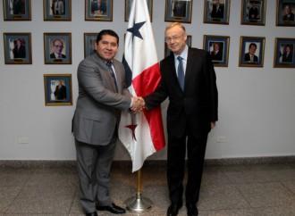 Rusia y Panamá estrechan manos en la Asamblea Nacional