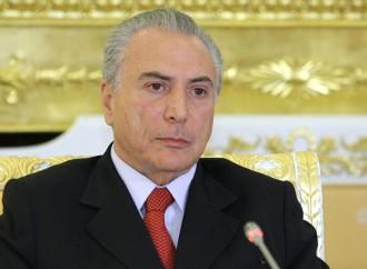 Senado confirma impeachment a Roussef y Michel Temer asume como presidente interino de Brasil