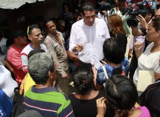 Afectados reclaman mientras que la Comunidad apoya remoción de quioscos en Calidonia