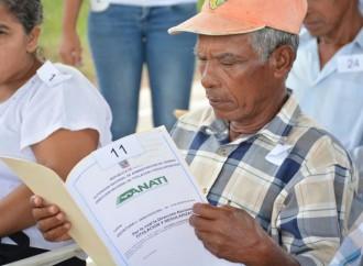 Entrega de Títulos benefició a 1,140 personas del sector agrícola y ganadero en Coclé