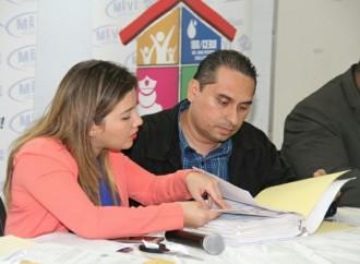 Dos empresas participan en licitación para construcción de viviendas en Panamá Este