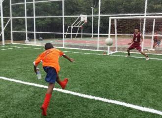 Comunidad de El Vallecito estrena instalaciones deportivas