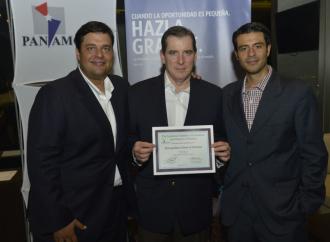 MET recibe reconocimiento de AmCham Panamá