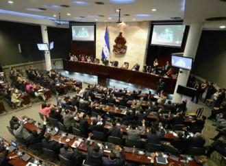 Presidente Hernández urge al Congreso aprobar matrícula consular