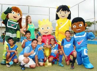 Cervecería Nacional promueve valores en los niños a través del Fútbol