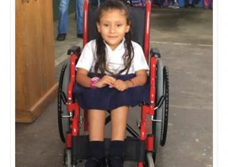 Conociendo a Janeth Alvira Díaz Santos: Niña Símbolo del Teletón 20-30 2016