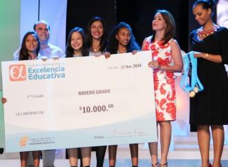 Concurso Nacional por la Excelencia Educativa premia el compromiso y dedicación de 9 centros educativos oficiales a nivel nacional