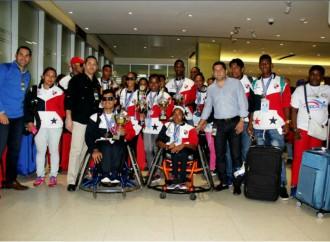 Llegan a suelo panameño atletas que participaron exitosamente en los CODICADER