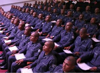Academia de Formación Penitenciaria gradúa 65 nuevos custodios