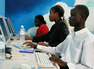Foro de Gobernanza de Internet urge a lograr el acceso universal a la red