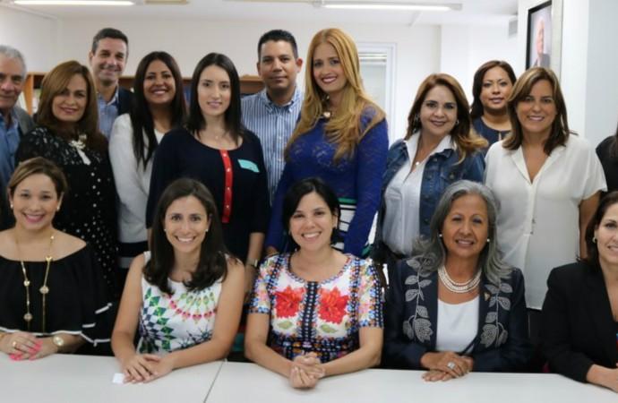Procter & Gamble y APEDE comparten ideas sobrela igualdad de género