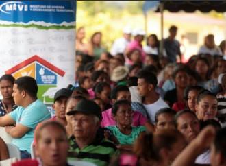 Presidente entrega 500 viviendas en Capira y anuncia la construcción de 500 más