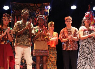 Estudiantes del MET rinden tributo a la Patria en una GALA FOLCLÓRICA PANAMEÑA