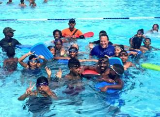Presidente Varela comparte junto a niños y jóvenes durante la jornada de Voluntariado deportivo