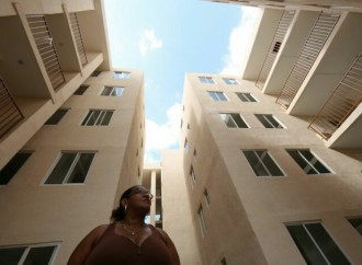 Gobierno cumple con residentes de El Chorrillo y entrega proyecto habitacional Mateo Iturralde