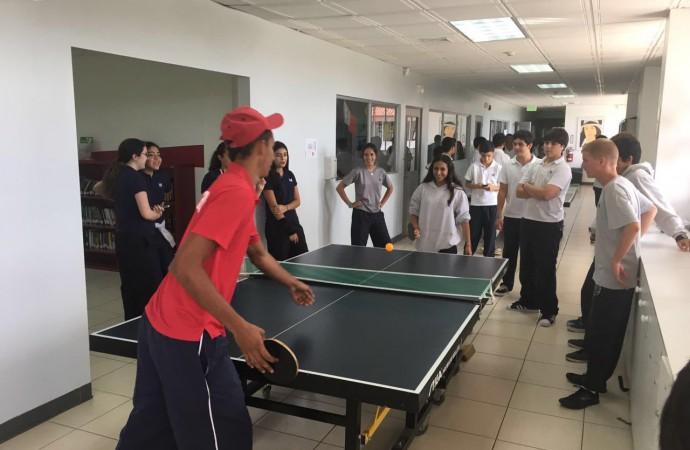 Estudiantes del MET crean conciencia sobre los desafíos de los atletas especiales