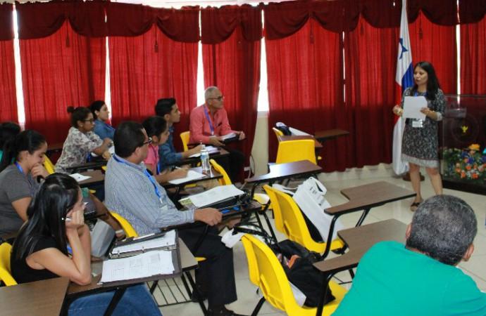 UNACHI y SENACYT reúnen a docentes, investigadores y estudiantes para capacitaciónen Herramientas Quimiométricas