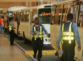 Autoridad de Tránsito realiza inspección a autobuses previo al inicio del Carnaval