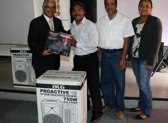 Escuelas distritales recibieron equipos de sonido