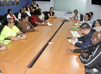 Pacientes de Dietilenglycol sostienen encuentro con el Director de la CSS