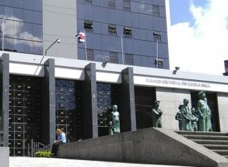 Costa Rica deja atrás el pago en efectivo con creciente menú de bancarización