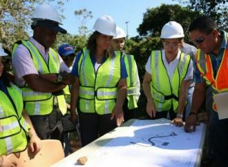 Autoridades inspeccionan construccion del nuevo Centro de Cumplimiento en Colón