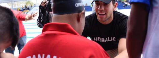 Edgar Crespo dicta clínica a atletas de Olimpiadas Especiales