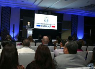 Gobierno lanza Panamá en Línea y pone en marcha 15 trámites digitales en instituciones