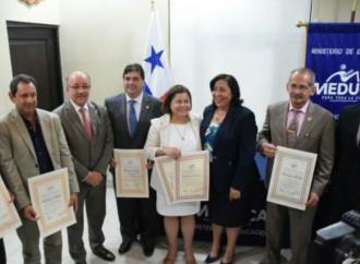 CONEAUPA entregó Certificado de Acreditación de Carreras a Universidades panameñas