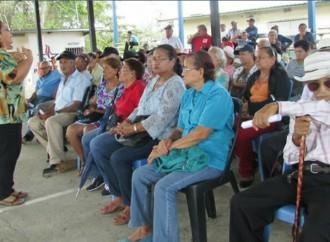 Adultos mayores participan en jornada de capacitación por parte del MIDES