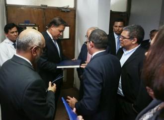 Gobierno respaldará funcionamiento del Instituto Especializado de Análisis de la Universidad de Panamá