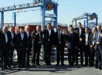 Presidente Varela recorre importantes empresas portuarias y logísticas en Chile