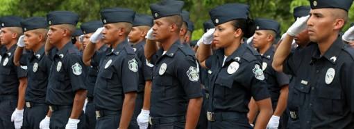 Gobierno refuerza seguridad en las calles con 1,033 nuevos agentes