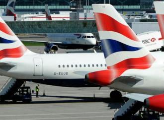 Fallo informático de British Airways mantiene a miles de afectados en aeropuertos de todo el mundo
