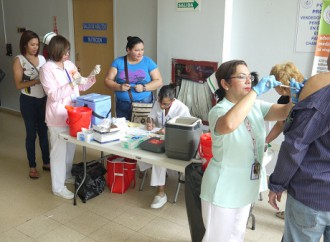 Policlínica J.J. Vallarino continúa Jornada de aplicación de Vacunas contra 23 enfermedades