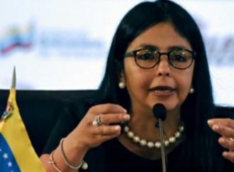 Canciller venezolana arribó a El Salvador para reunión de la Celac