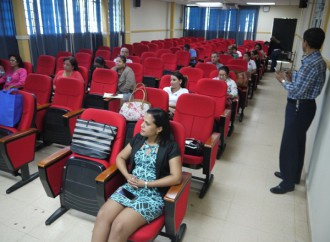 """Programa de la Tercera Edad fortalece a los participantes con taller """"Preparación para el Cese Laboral"""""""